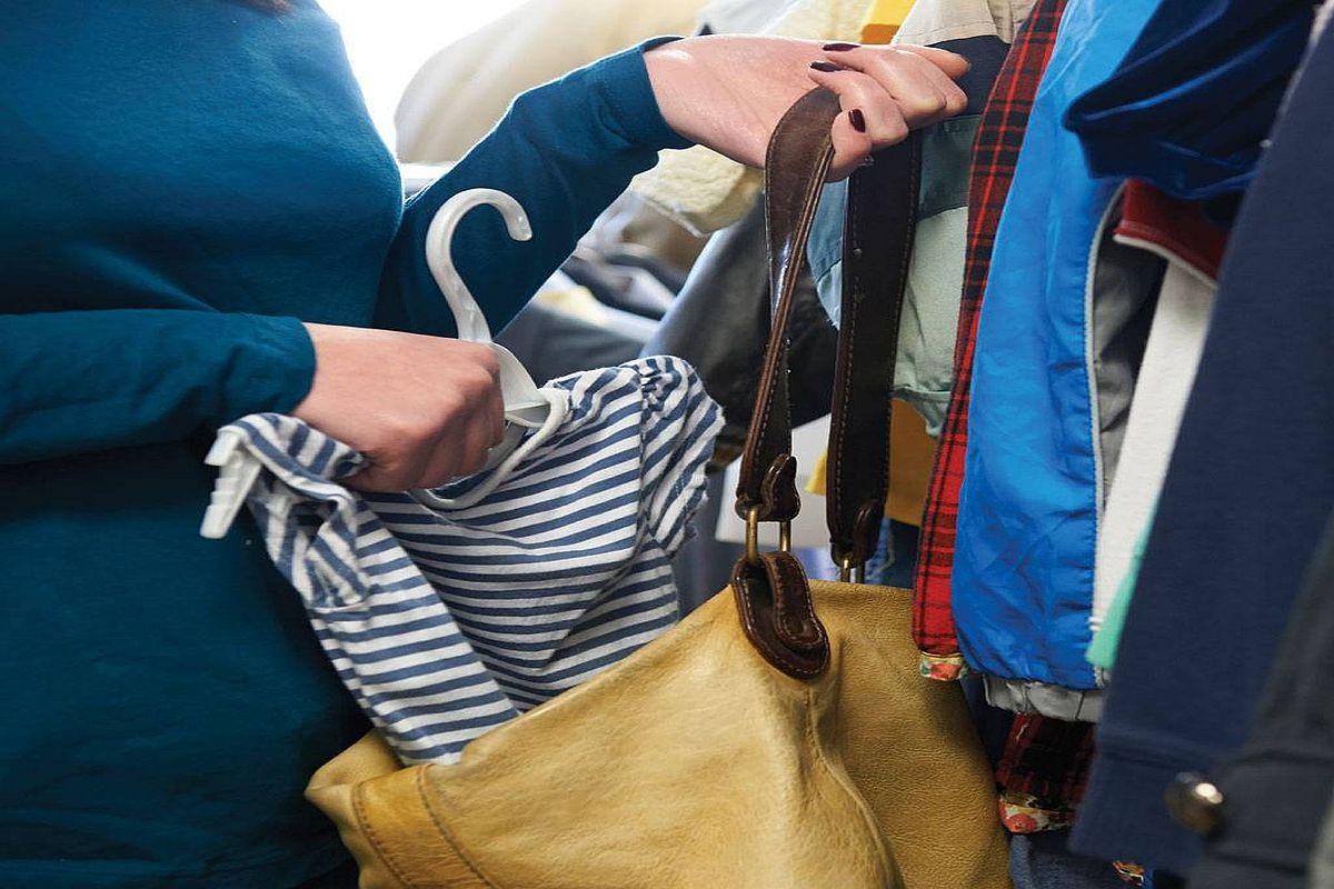 40χρονη έκλεβε ρούχα από καταστήματα της Καβάλας - paratiritis-news 714b5fc84b0